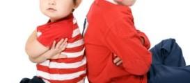 menjadi wasit pertengkaran anak